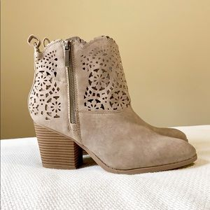 Sugar Gray Heels Ankle Boots Size 8.5